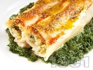 Рецепта Пълнена паста канелони със сирене рикота, спанак и пармезан в сос бешамел